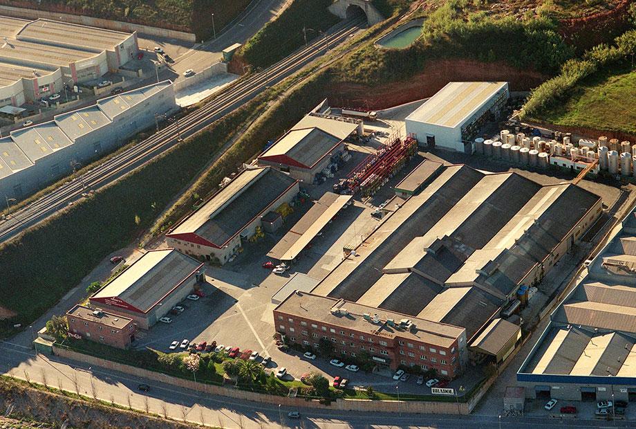 Fábrica de aceites industriales